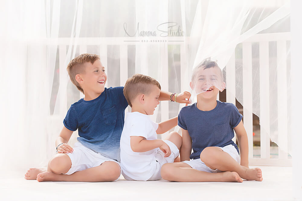 צילומי משפחה, בוק משפחה, צילום משפחה, צילום משפחתי, צילומי משפחה בטבע, צילומי משפחה בסטודיו, צילומי משפחה בים